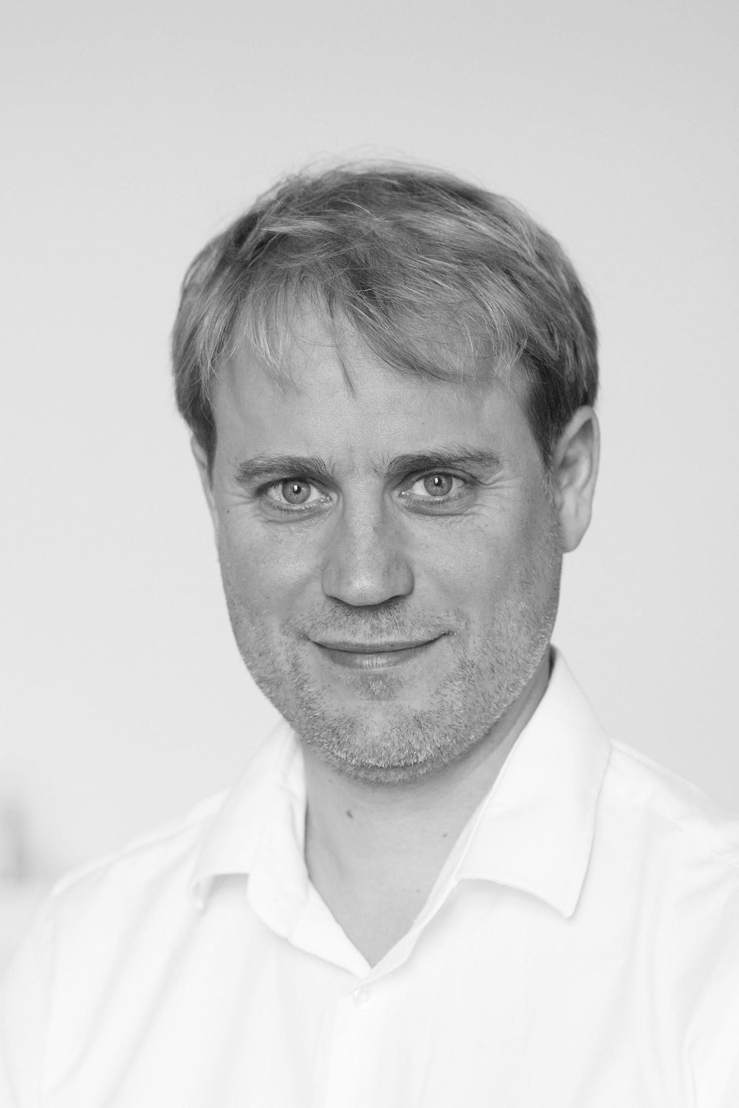 Dr. Ralph Piotrowski